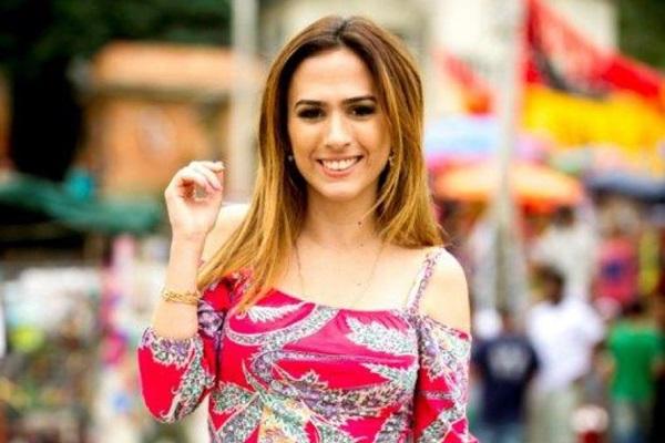 A atriz encanta as noites com o programa O estranho show de Renatinho, no Multishow   (João Miguel Júnior/Divulgação)
