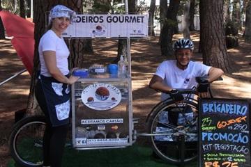 Arquiteto, Uno Matos Correia projetou a bike do Mistura que agrada, que toca em parceria com Luana Pereira Gagliarti