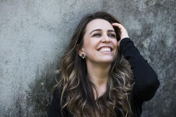 A cantora Roberta Sá é uma das atrações musicais da semana na capital (Daryan Dornelles/Divulgação)