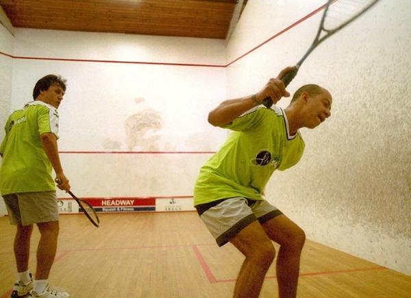 O squash ajuda na resistência física e no fortalecimento muscular (José Varella/CB/D.A Press)