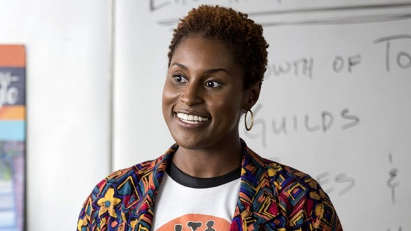 Issa Rae em 'Insecure', série que mostra o dia a dia da mulher negra nos Estados Unidos (HBO/Divulgação)