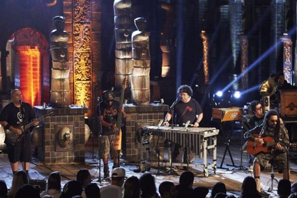 O grupo carioca traz uma pegada visceral em novo disco (Guto Costa/Divulgação)