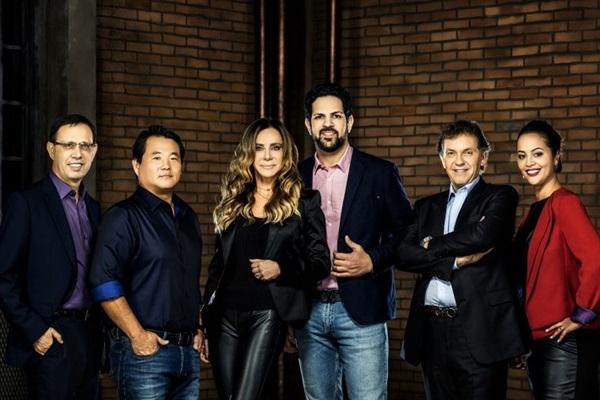 Time de tubarões do programa é formado por João Appolinário, Robinson Shiba, Cristiana Arcangeli, Sorocaba, Carlos Wizard e Camila Farani (Sony/Divulgação)