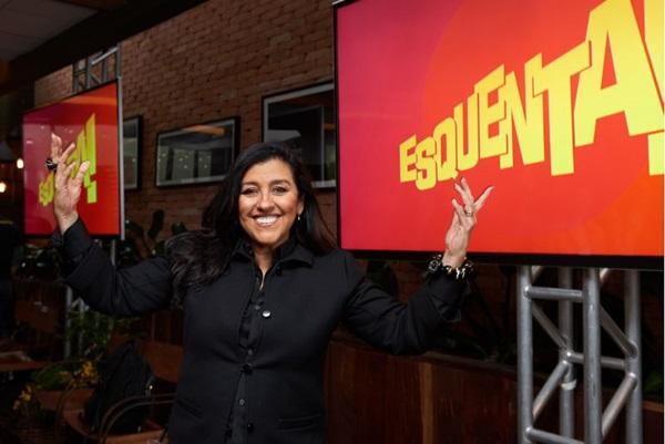 Regina Casé em viagem para gravação da nova temporada do 'Esquenta!' (Selmy Yassuda/Divulgação)