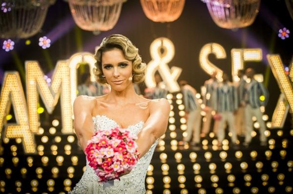 Fernanda Lima continua comandando a atração, a novidade é Eduardo Sterblitch na bancada (Globo/João Miguel Júnior)