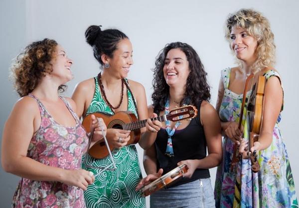 O grupo 'Chinelo de couro' se apresenta na Mostra Sesc de música (Júnior Aragão/Divulgação)