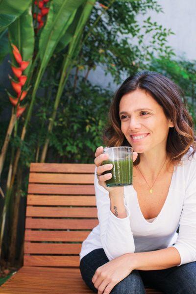 Especialista em alimentação natural, brasiliense Anna Elisa de Castro lança livro sobre culinária natural  (Mônica Villela Assessoria de Imprensa/Divulgação)