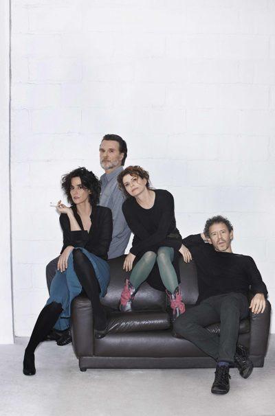 Debora Bloch, Guilherme Weber, Fernando Eiras e Mariana Lima na peça 'Os realistas' (Christian Gaul/Divulgação)