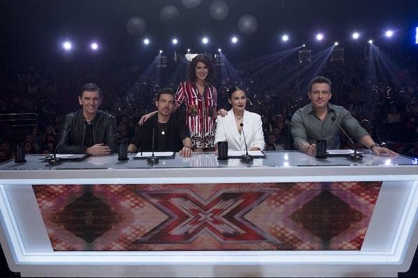 Paulo Miklos, Di Ferrero, Juliana Paes Leme, Alinne Rosa e Rick Bonadio são os jurados do X Factor Brasil (Kelly Fuzaro/Divulgação)