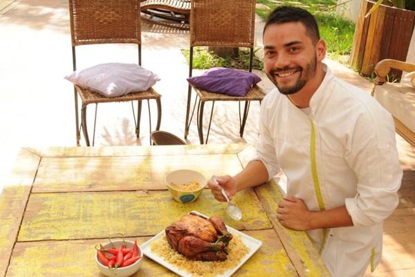 O frango e a farofa são produtos acessíveis, que trazem um ótimo resultado quando combinados (Bárbara Cabral/Esp. CB/D.A Press )