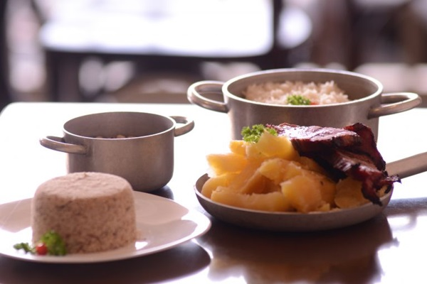 Paçoca e carne de sol aparecem como o principal preparo no cardápio do Bem Arretado (Jhonatan Vieira/Esp. CB/D.A Press)