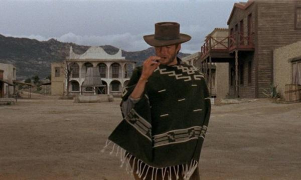 O clássico 'Por um punhado de dólares' junta o diretor Sergio Leone e um jovem Clint Eastwood (BIFF/Divulgação)