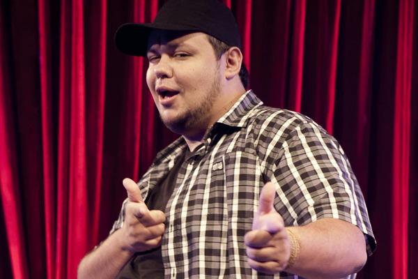Rogério Morgado retorna à cidade para mais apresentações de stand up (Reprodução internet)