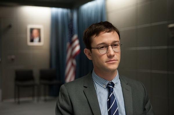 Joseph Gordon-Levitt vem sendo elogiado pela interpretação de Edward Snowden (Reprodução/Internet)