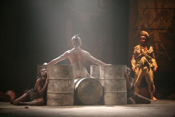 A história do cangaceiro mais famoso do país é contada no espetáculo ( Angelo Duarte/Divulgação)