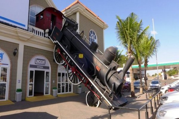 O Shopping Serra Verde é uma opção para quem quer comprar uma lembrancinha (Reprodução internet)