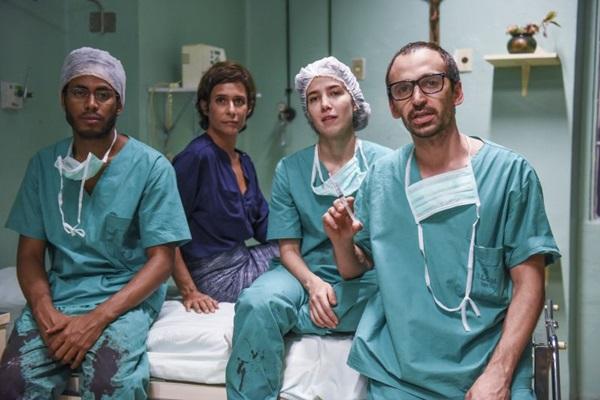 A precariedade do sistema de saúde no Brasil é tema de 'Sob pressão' (Reprodução)