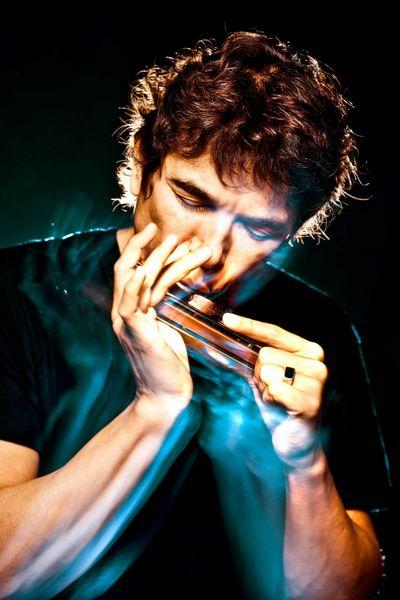 Milton Guedes se apresenta no 'Tributo a Paulinho da Viola' (Gabriel Wickbold/Divulgação)