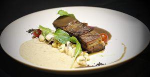 O feijão branco aparece na forma de salada e na forma de purê no preparo do Taypá (Faro Comunica/Divulgação)