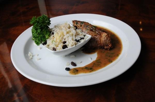 O lombinho é confitado, resultando em uma carne mais macia e suculenta (Bárbara Cabral/Esp. CB/D.A Press)