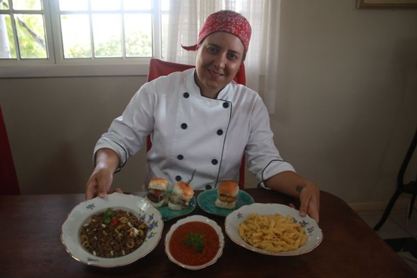 Raquel Amaral aproveita a versatilidade da carne moída para ensinar três receitas (Luis Nova/Esp. CB/D.A Press)