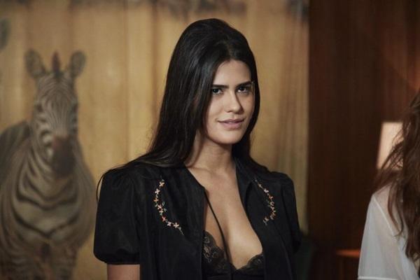 Antonia Moraes não teme as cenas quentes inerentes à personagem Lucia McCartney (Juliana Coutinho/Divulgação)