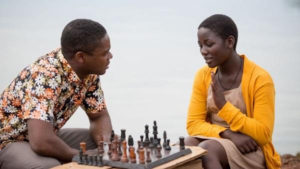 Em 'Rainha de Katwe', a vida de Phiona é comparada a uma partida de xadrez (Reprodução/Internet)