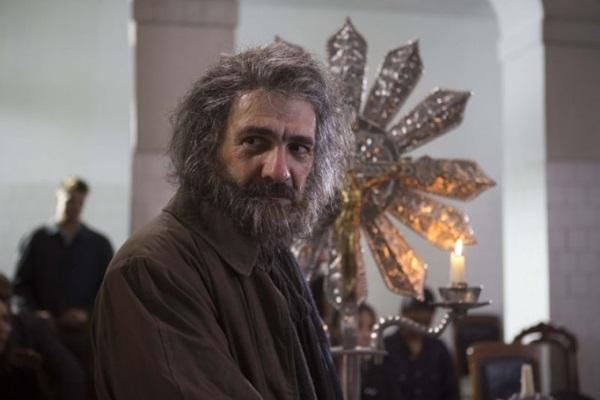 César Troncoso interpreta o agitador social Mestre no longa (Warner/Divulgação)