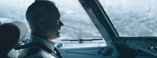 Tom Hanks dirigido por Clint Eastwood: decepção no longa Sully (Reprodução/Internet)