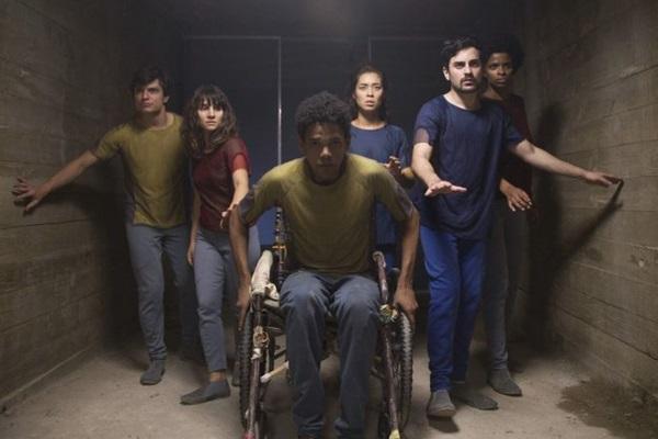 A série discute a realidade de desigualdade do Brasil (PedroSaad/Netflix)