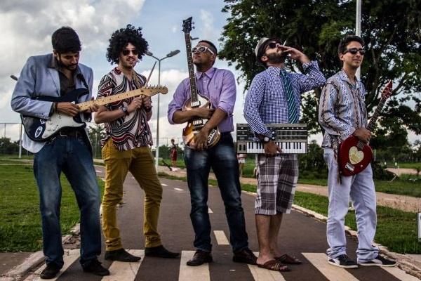 A banda brasiliense Brega & Rosas fará show de pré-réveillon no Outro Calaf (Mateus Vidigal/Divulgação)