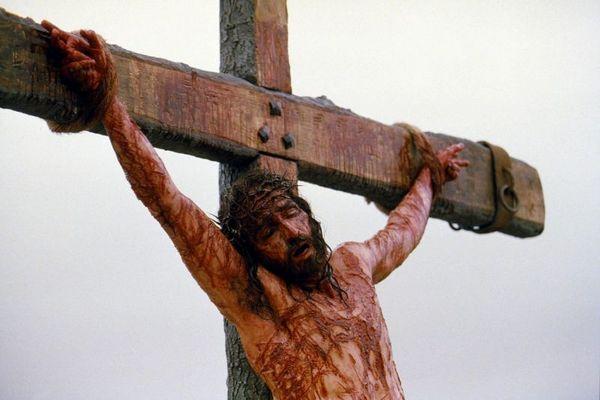 Jim Caviezel em cena do filme 'A Paixão de Cristo', de Mel Gibson. (ICON/Divulgação)