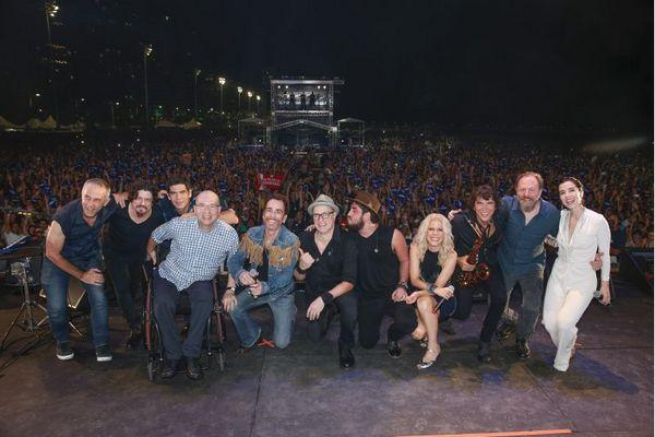 Nando Reis, Os Paralamas do Sucesso e Paula Toller fazem antologia do gênero ao lado de uma super banda. (FelipePanfili/Divulgacao)