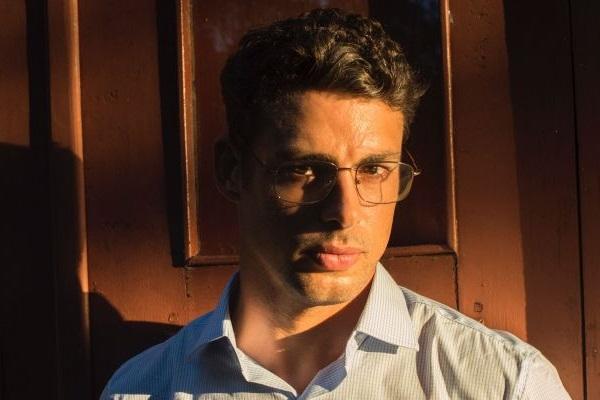 O seu mais recente trabalho foi em Justiça, como Maurício, que dedica sua vida a uma vingança após a perda trágica de seu grande amor, Beatriz (Marjorie Estiano) (Estevam Avellar/TV Globo)