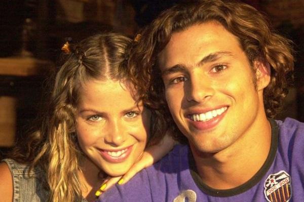 Em Da cor do pecado, Cauã viveu Thor Sardinha, filho de Edilásia, a Mamusca (Rosi Campos). Ele era apaixonado por Tina (Karina Bacchi) (Gianne Carvalho/TV Globo)