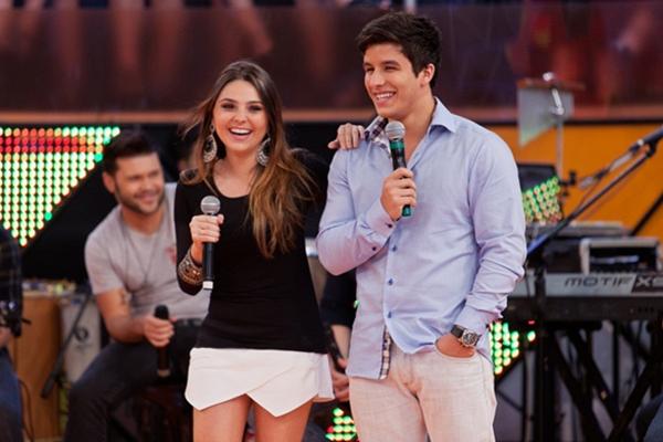 Com pinta de galã, o ator namora a atriz Marcela Barrozo: relação ' honesta' (Reprodução/Internet)