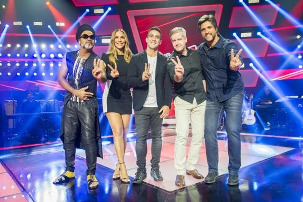 Elenco de jurados permanece: Carlinhos Brown, Ivete Sangalo e Victor & Leo nas cadeiras vermelhas (João Miguel Júnior/Divulgação)