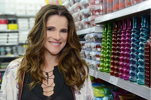 Ingrid não se considera consumista: 'Sou muito equilibrada, junto dinheiro e nunca fiquei endividada, nem paguei juros de cartão' (Eliana Rodrigues/Divulgação)
