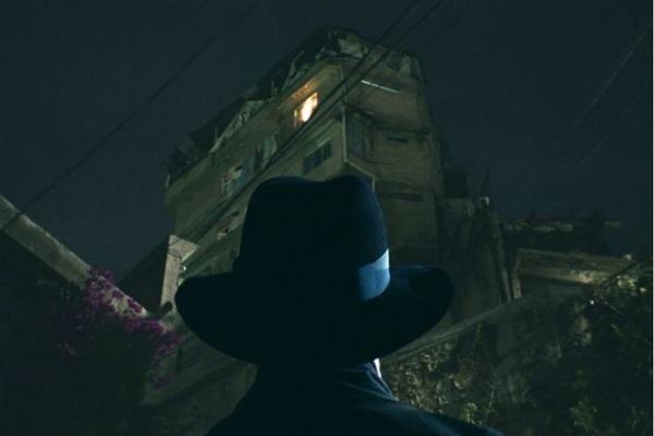 Alfonso Herrera vive um padre ambicioso em O exorcista  (FX/Divulgação)