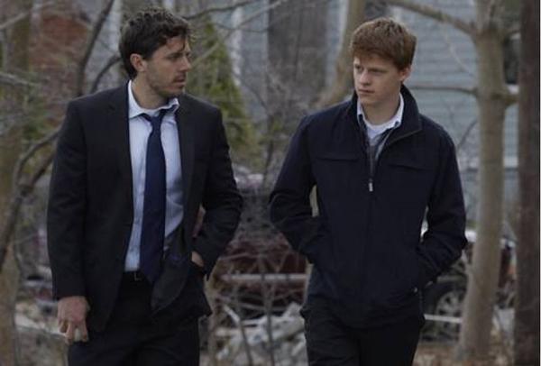 Lee aprende aos poucos a ser tutor do sobrinho adolescente (Sony Pictures/Divulgação)