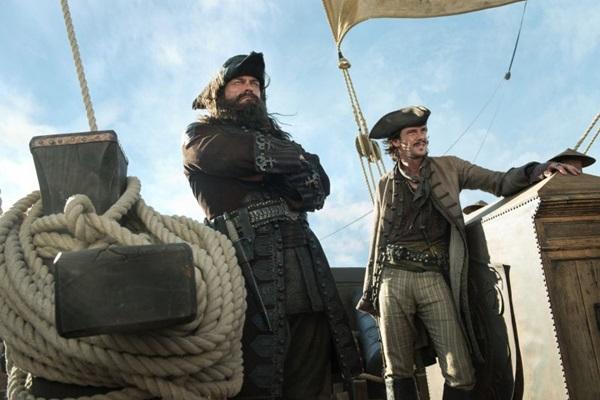 Piratas são os heróis ou os vilões de Black sails?  (Fox Brasil/Divulgação)