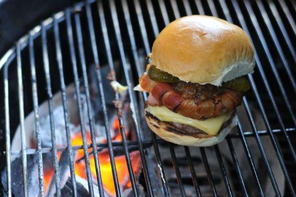 Hambúrgueres é a primeira categoria a ser avaliada ( Helio Montferre/Esp. CB/D.A Press)