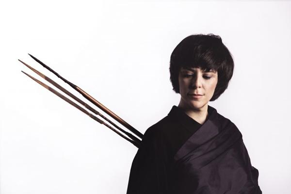 A cantora Fernanda Takai apresenta canções do disco 'Na medida do impossível'  (Bruno Senna/Divulgação)