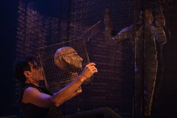 'Gritos' reúne três poemas gestuais em espetáculo de premiada companhia (Renato Mangolin/Divulgacao)