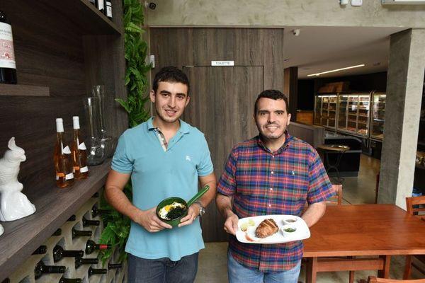 Gustavo Bomtempo e Sergio Lucio Oliveira, sócios do Brace: carnes de fornecedor exclusivo (Jhonathan Vieira/Esp. CB/D.A Press)