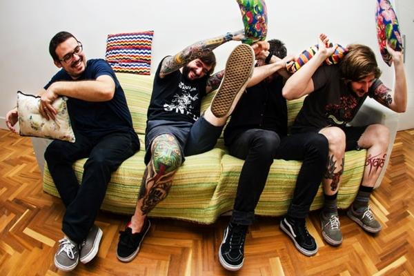 A banda carioca Zander vai apresentar ao brasiliense o disco 'Flamboyant', lançado em 2016 (Acetona/Divulgação)