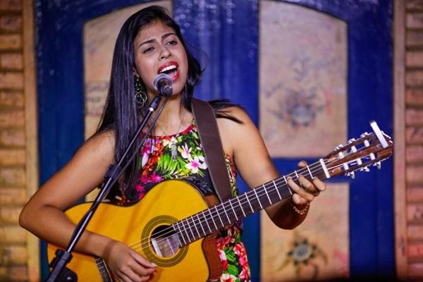 A cantora Danielle Bonfim é considerada uma das melhores cantoras da nova geração de Brasília (Jerson Alvim/Divulgação)