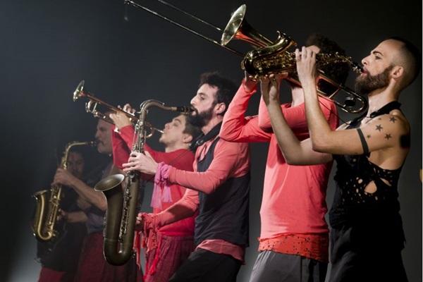 Auê tem teatro, dança e música (Silvana Marques/Divulgação)
