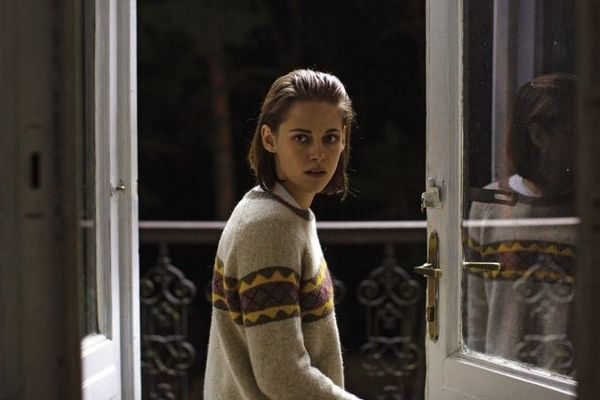 Kristen Stewart não tem o mínimo escopo para protagonizar 'Personal shopper' (Reprodução/Internet)