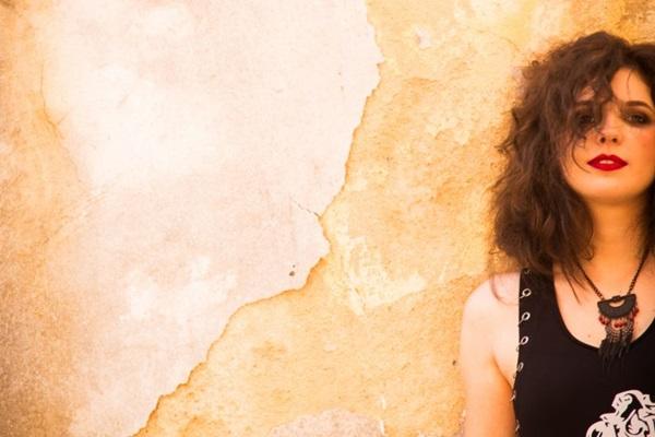 Cantora Ana Sucha apresenta o álbum Inês  (Bárbara Lopes/Divulgação)